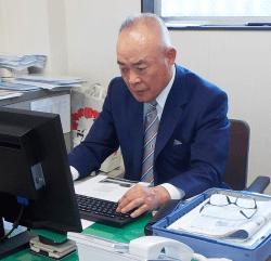施設総業 株式会社 代表取締役 赤木 誠治